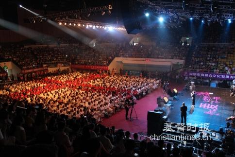 个堂点组成的千人诗班大合唱《哈利路亚》更是震撼全